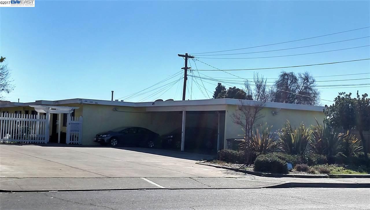 Maison avec plusieurs logements pour l Vente à 250 Schafer Road Hayward, Californie 94544 États-Unis
