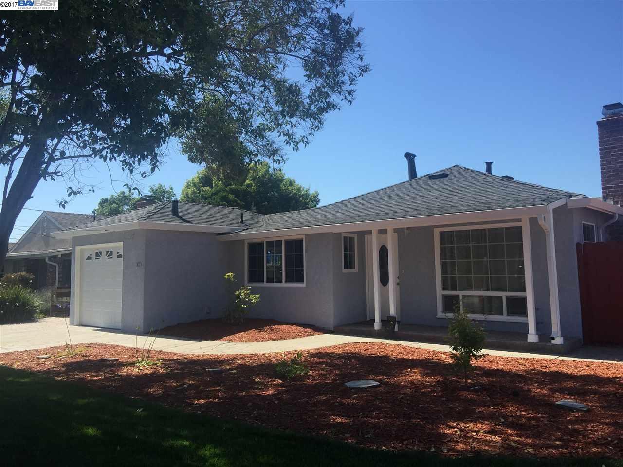 واحد منزل الأسرة للـ Sale في 1203 Via Coralla San Lorenzo, California 94580 United States