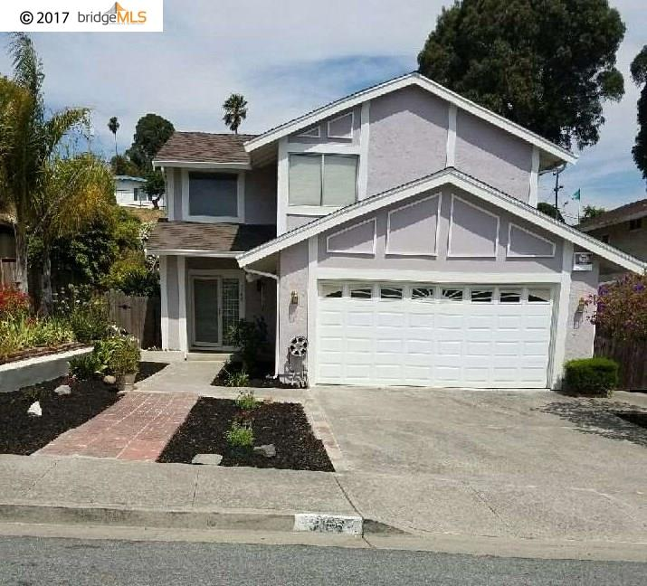 واحد منزل الأسرة للـ Sale في 3166 LARCHMONT LANE San Pablo, California 94806 United States