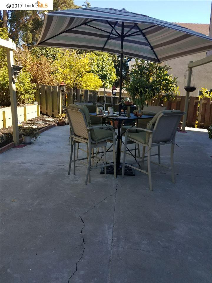 Additional photo for property listing at 3166 LARCHMONT LANE  San Pablo, 加利福尼亞州 94806 美國