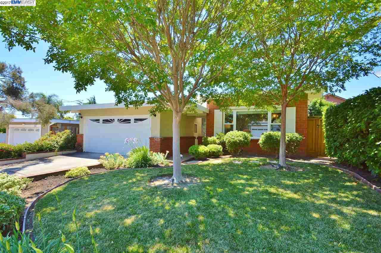 18969 Thornbury Ave, CASTRO VALLEY, CA 94546