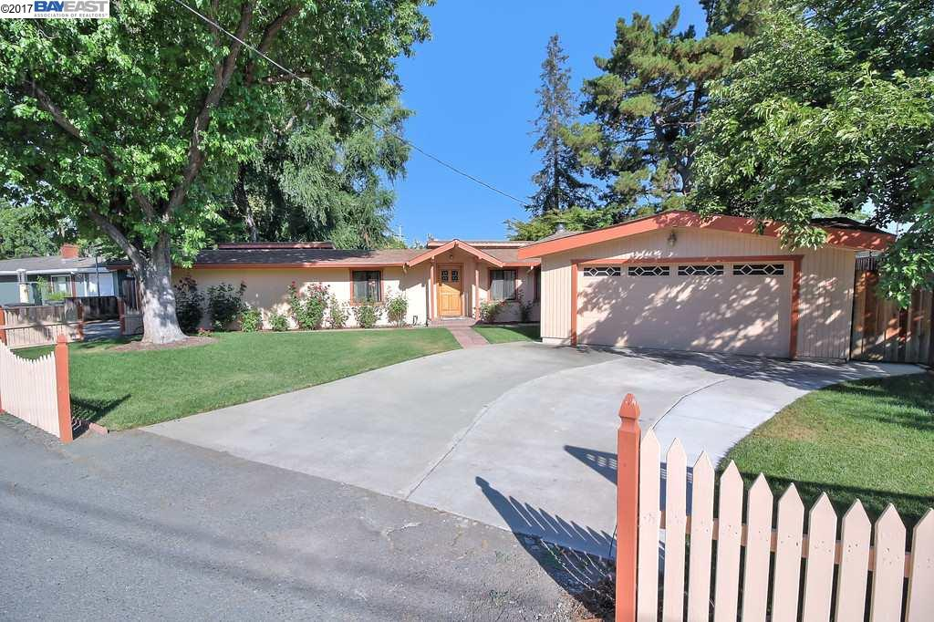 2000 Oak Grove Ct, CONCORD, CA 94518