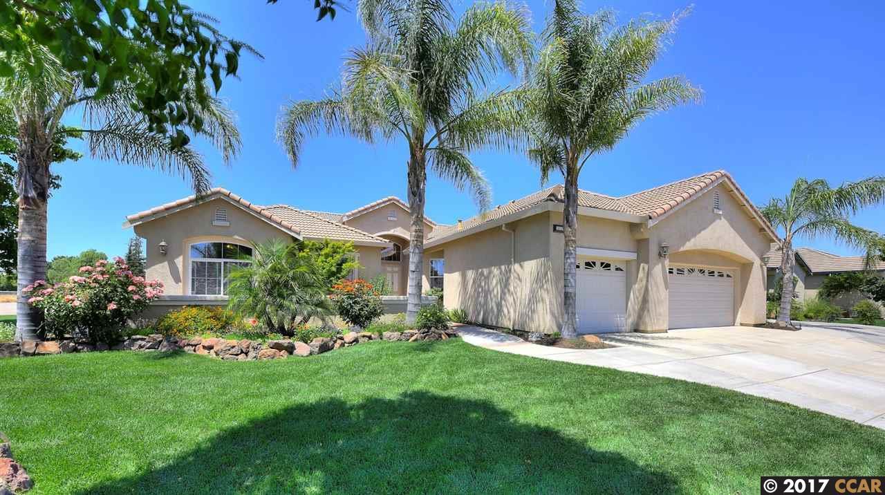 Casa Unifamiliar por un Venta en 2622 Sutter Street Oakley, California 94561 Estados Unidos