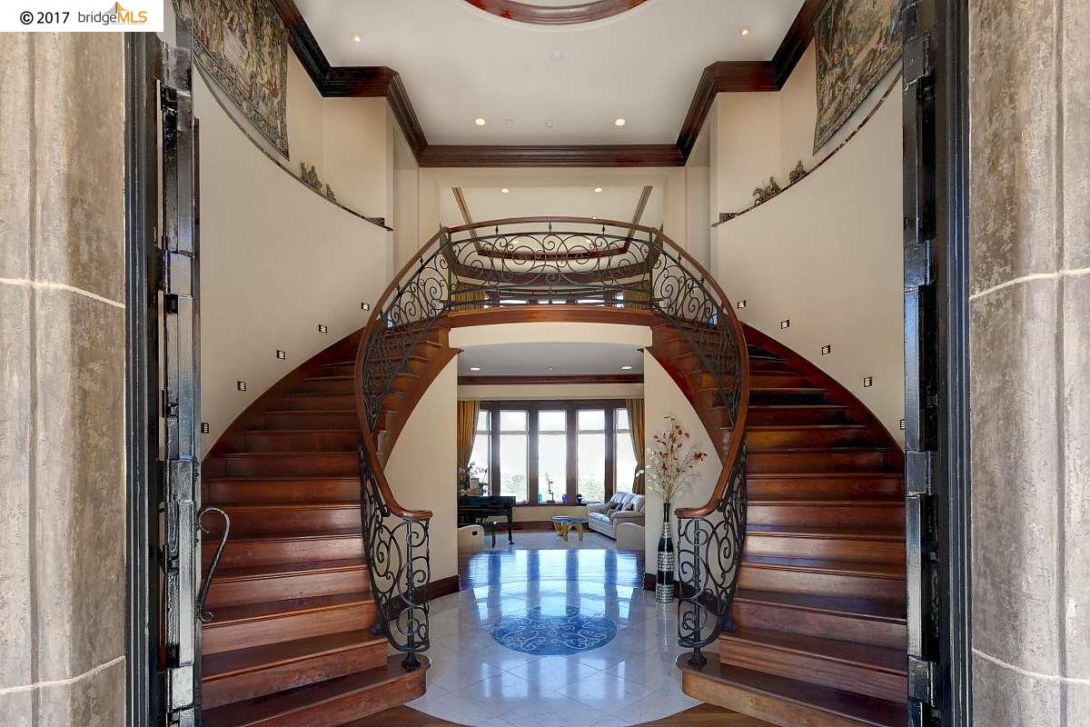 獨棟家庭住宅 為 出售 在 3755 Arbutus Court Hayward, 加利福尼亞州 94542 美國