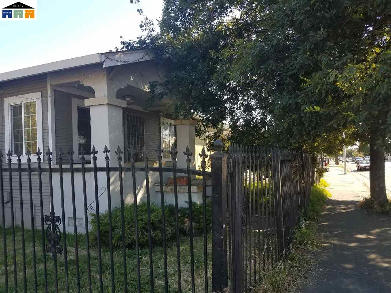 Casa Multifamiliar por un Venta en 1940 98Th Avenue Oakland, California 94603 Estados Unidos