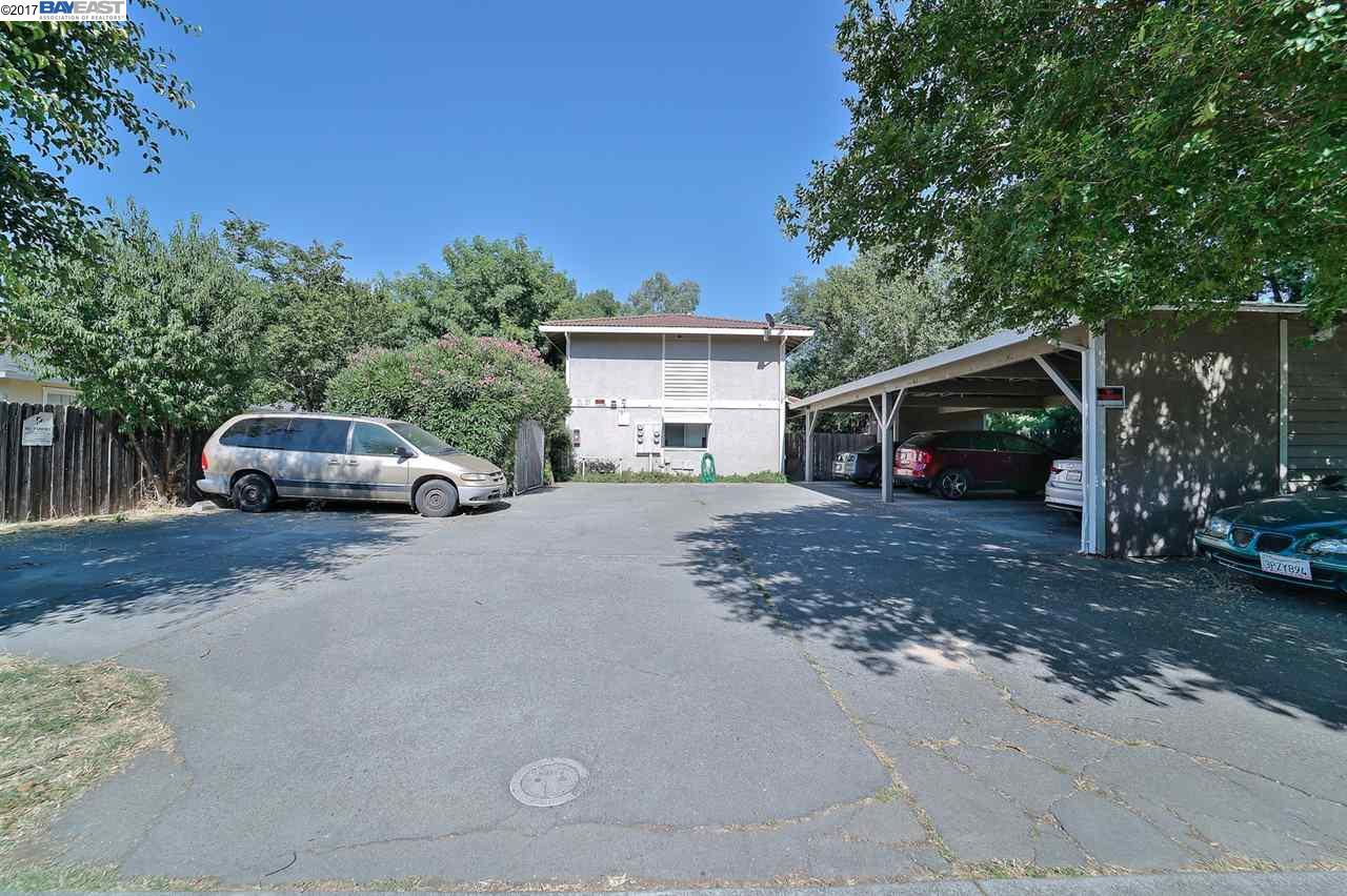 多戶家庭房屋 為 出售 在 361 S 2Nd Street Dixon, 加利福尼亞州 95620 美國