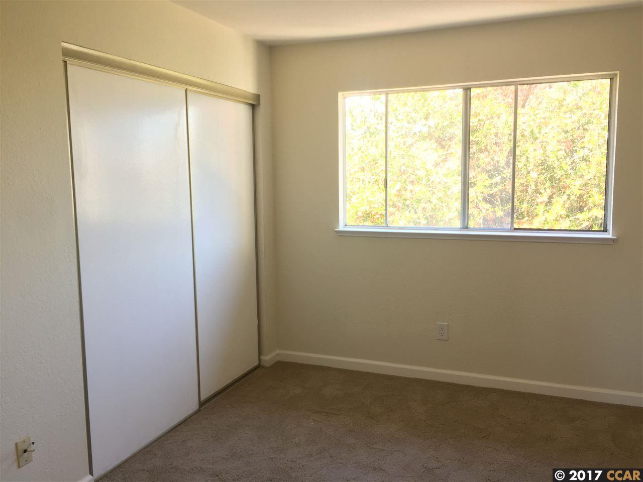 Additional photo for property listing at 140 Westgate Circle  San Pablo, カリフォルニア 94806 アメリカ合衆国
