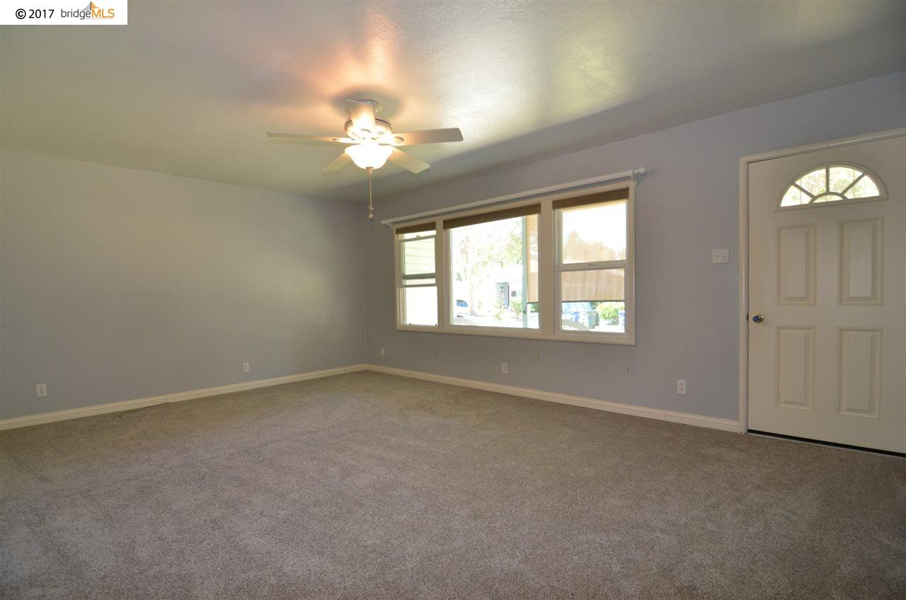 Additional photo for property listing at 1822 Noemi Drive  Concord, カリフォルニア 94519 アメリカ合衆国