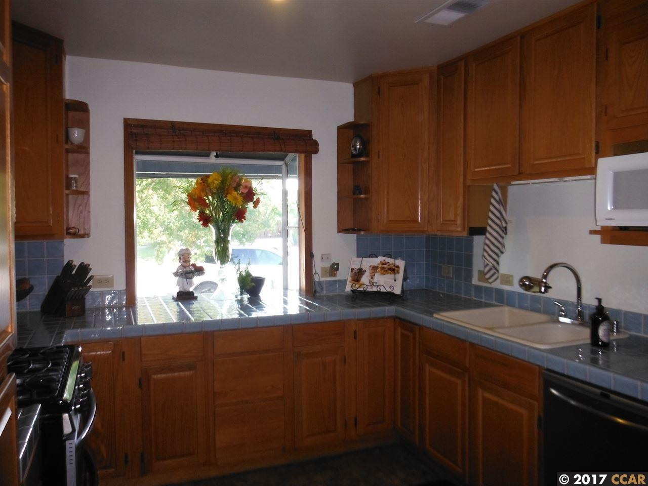 Additional photo for property listing at 3563 HILLSBOROUGH DRIVE  Concord, カリフォルニア 94520 アメリカ合衆国