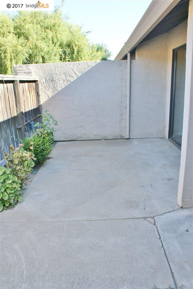 Additional photo for property listing at 862 Villa Ter  Brentwood, California 94513 United States