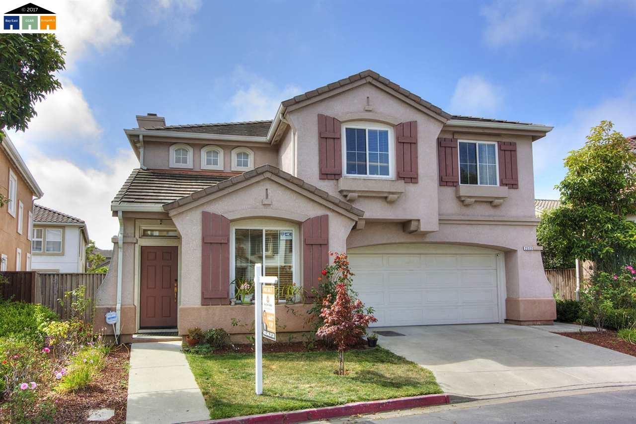 واحد منزل الأسرة للـ Sale في 2372 Pacifica Court San Leandro, California 94579 United States