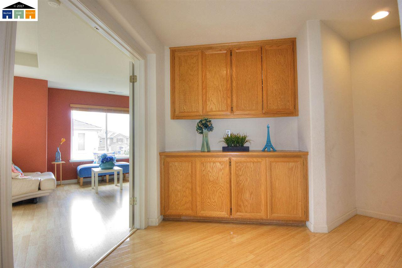 Additional photo for property listing at 2372 Pacifica Court  San Leandro, California 94579 United States