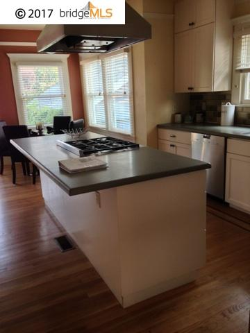 Additional photo for property listing at 5669 OCEAN VIEW DRIVE 5669 OCEAN VIEW DRIVE Oakland, Californie 94618 États-Unis