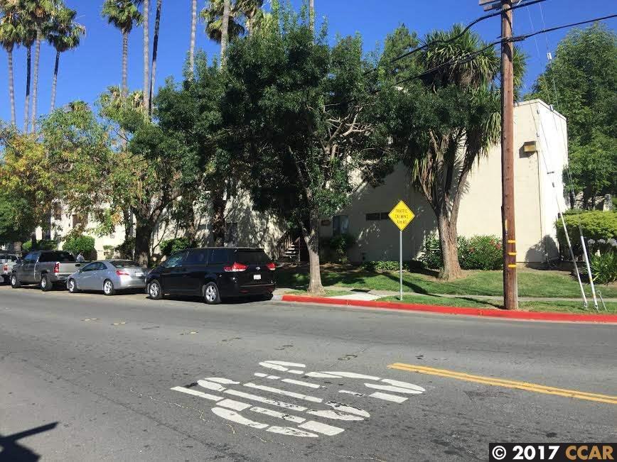 Appartement en copropriété pour l Vente à 1600 Laguna Street Concord, Californie 94520 États-Unis