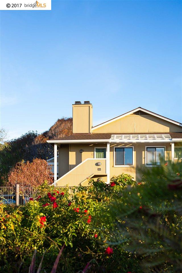 Additional photo for property listing at 23 Schooner Court  Richmond, California 94804 United States