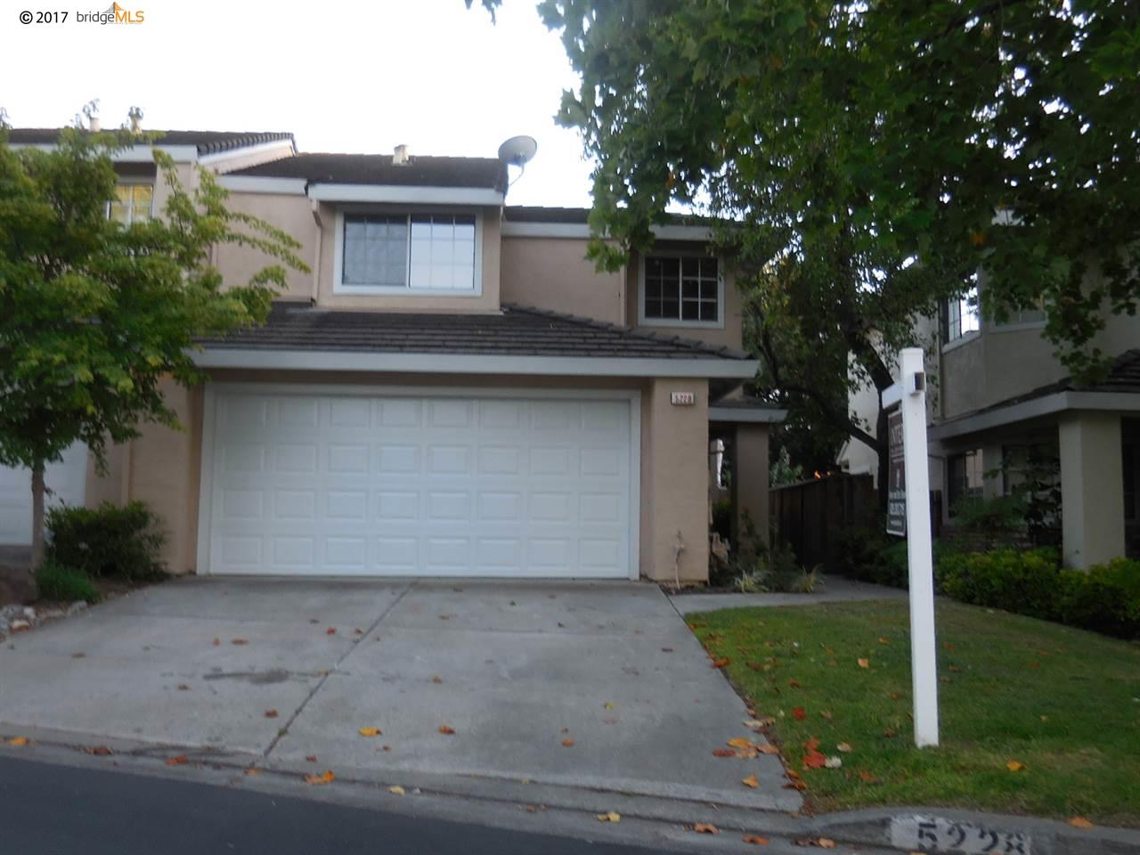 Townhouse for Sale at 5228 Pebble Glen Drive 5228 Pebble Glen Drive Concord, California 94521 United States