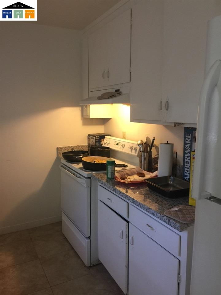 Additional photo for property listing at 1581 167Th Avenue 1581 167Th Avenue San Leandro, Kalifornien 94578 Vereinigte Staaten