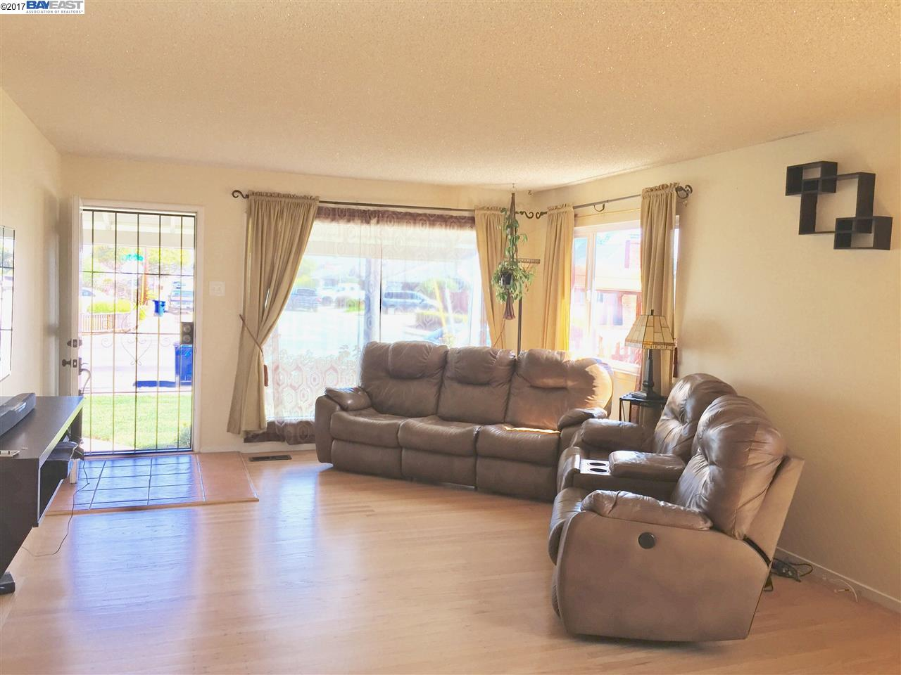 Additional photo for property listing at 1593 Cedar Avenue  San Leandro, Kalifornien 94579 Vereinigte Staaten