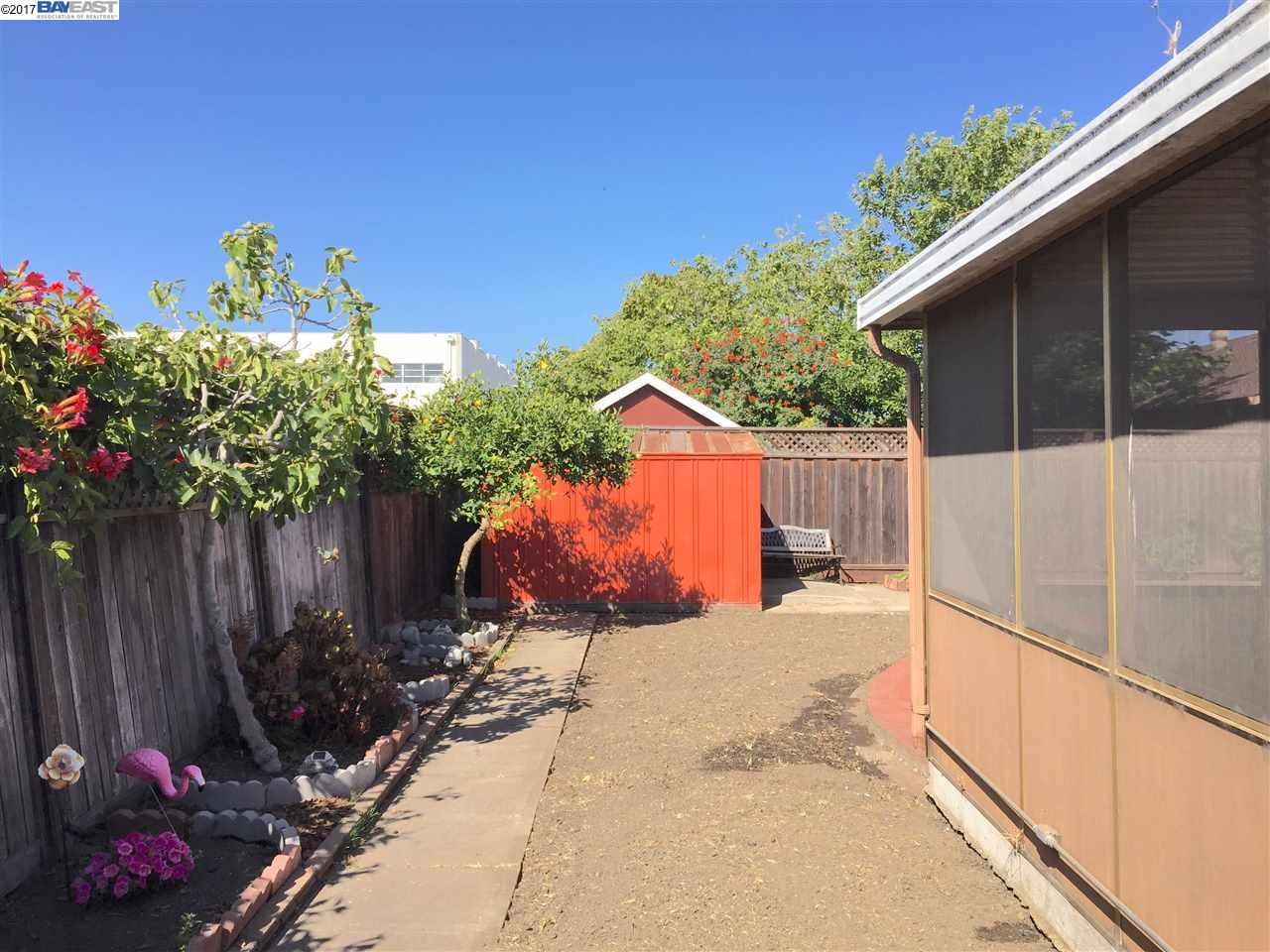 Additional photo for property listing at 1593 Cedar Avenue  San Leandro, Californie 94579 États-Unis