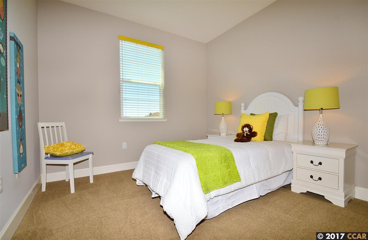 Additional photo for property listing at 3332 Araldi Lane  Dublin, Californie 94568 États-Unis