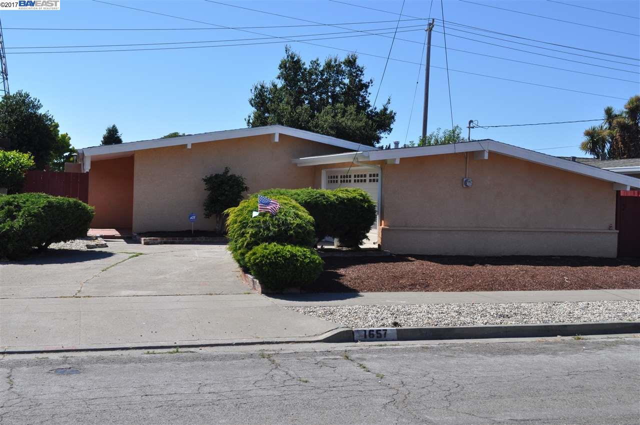 Maison unifamiliale pour l Vente à 1657 Southgate Street 1657 Southgate Street Hayward, Californie 94545 États-Unis