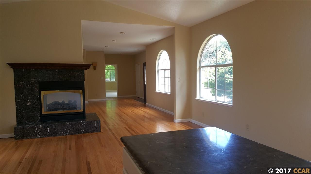 Additional photo for property listing at 5819 LASSEN STREET  El Cerrito, Californie 94530 États-Unis
