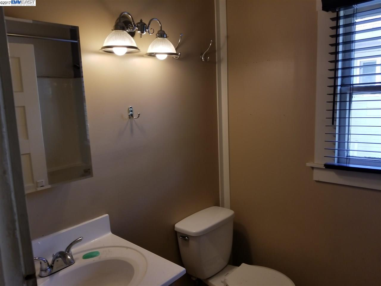 Additional photo for property listing at 1378 B Street  Hayward, カリフォルニア 94541 アメリカ合衆国