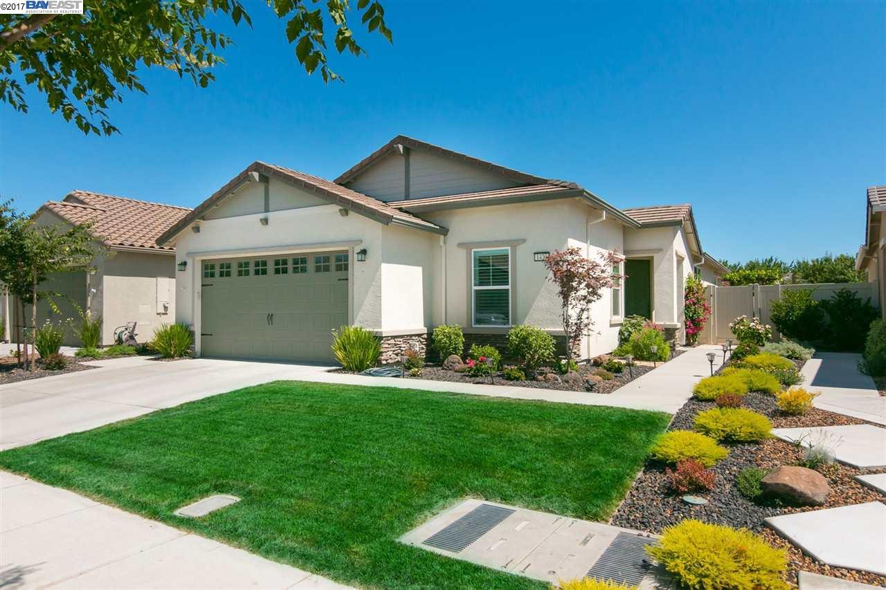 獨棟家庭住宅 為 出售 在 1423 Arbor Brook Drive Manteca, 加利福尼亞州 95336 美國