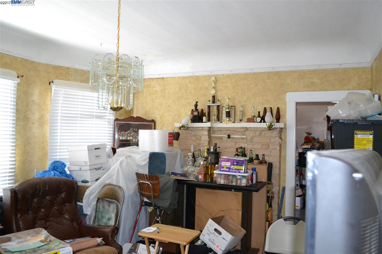 Additional photo for property listing at 688 43Rd Street  Oakland, California 94609 United States