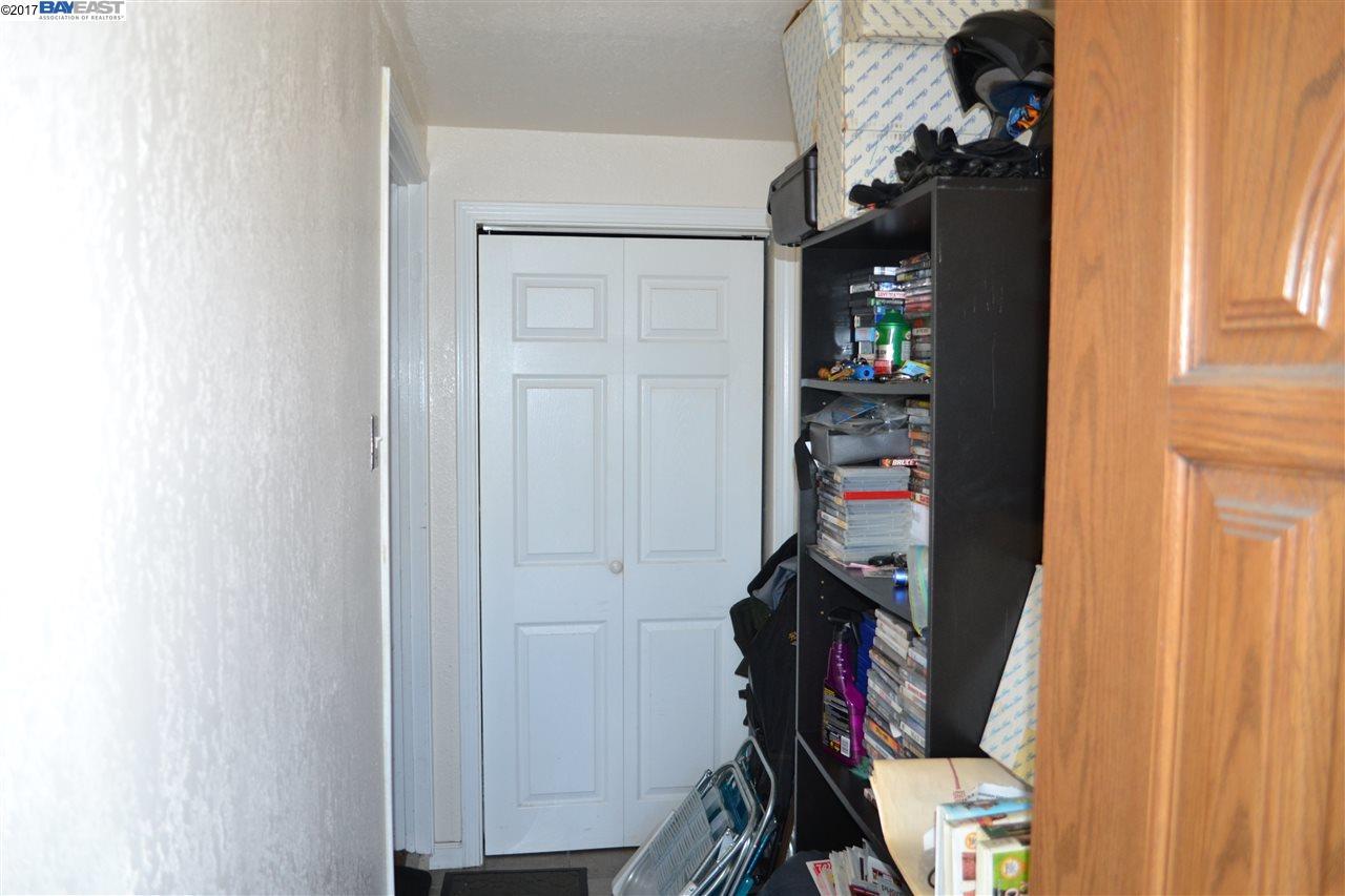 Additional photo for property listing at 688 43Rd Street  Oakland, 加利福尼亞州 94609 美國