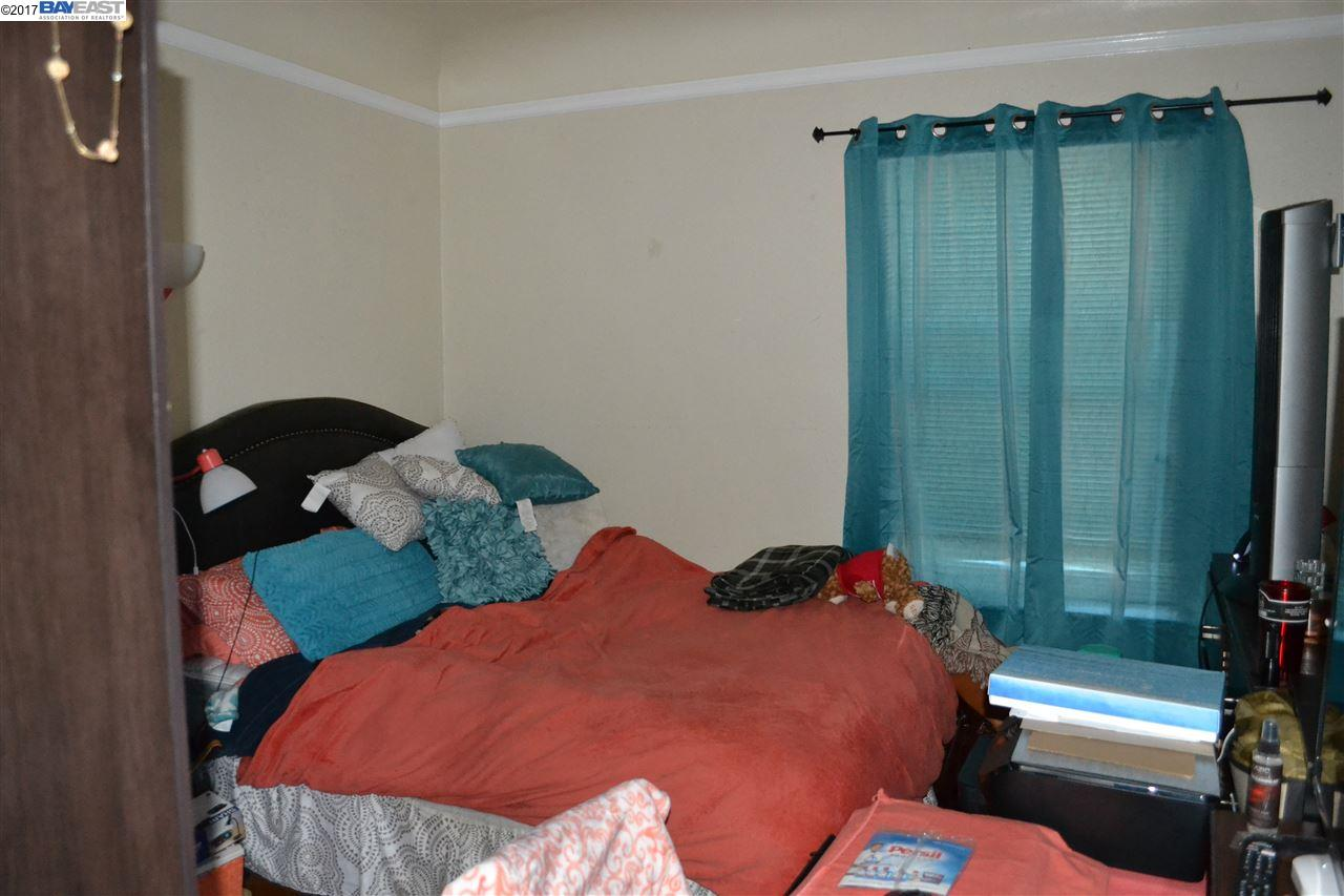 Additional photo for property listing at 688 43Rd Street  Oakland, Californie 94609 États-Unis