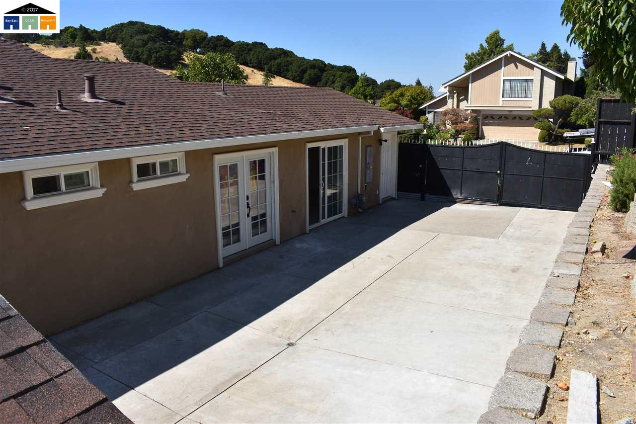 Additional photo for property listing at 4908 Thunderhead Court  Richmond, California 94803 United States