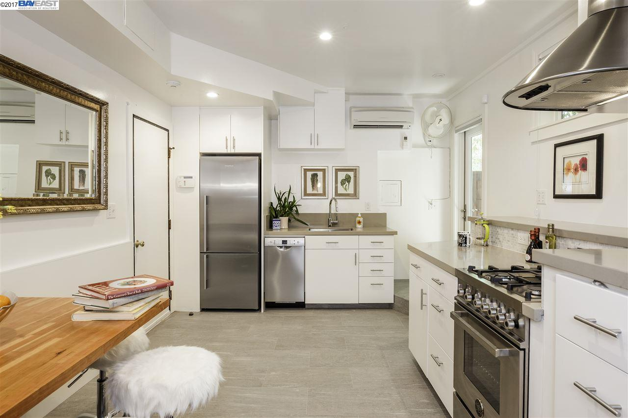 Additional photo for property listing at 506 Tremont Avenue 506 Tremont Avenue Richmond, カリフォルニア 94801 アメリカ合衆国