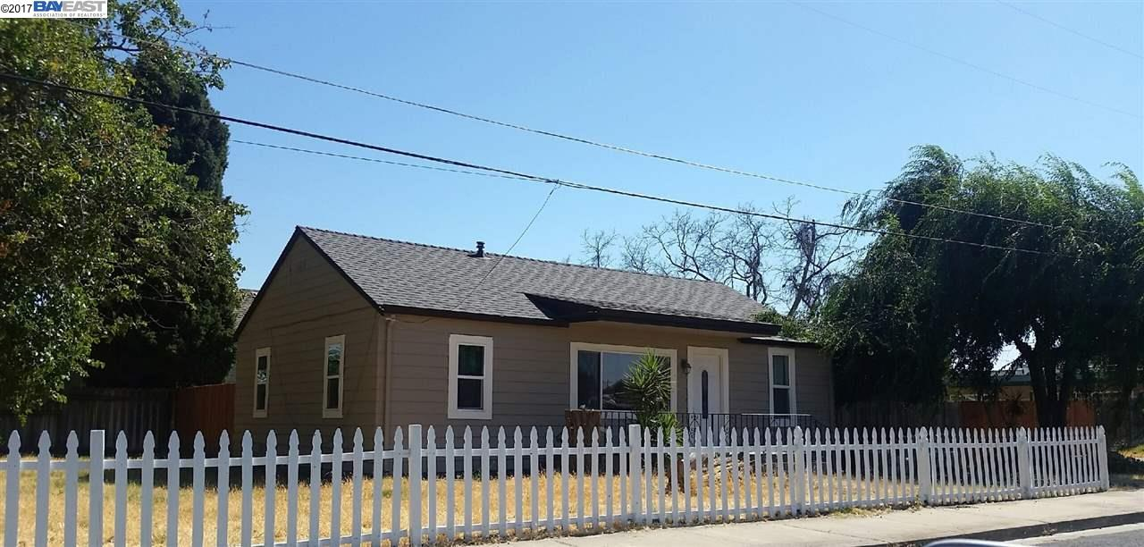 Частный односемейный дом для того Продажа на 79 1St Street Knightsen, Калифорния 94548 Соединенные Штаты