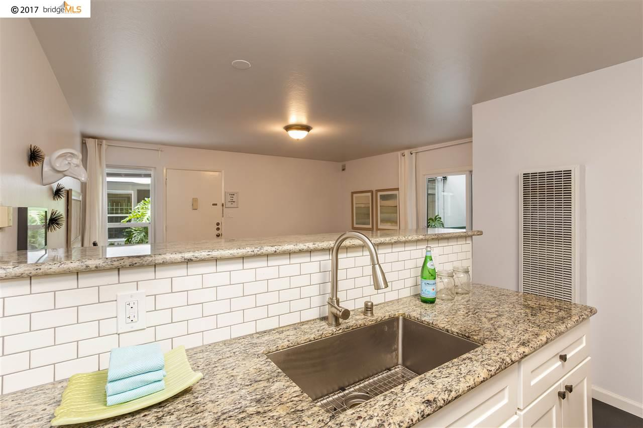 Additional photo for property listing at 1428 Madison Street  Oakland, California 94612 United States