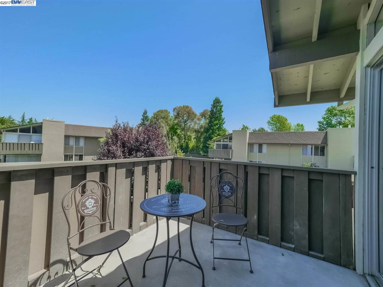 Additional photo for property listing at 55 Massolo Drive  Pleasant Hill, California 94523 Estados Unidos