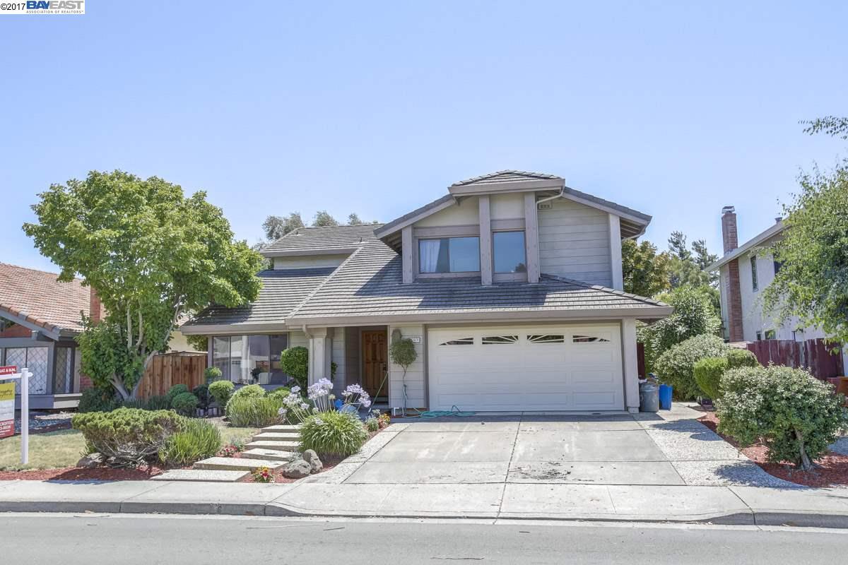 Casa Unifamiliar por un Venta en 32924 Regents Blvd Union City, California 94587 Estados Unidos