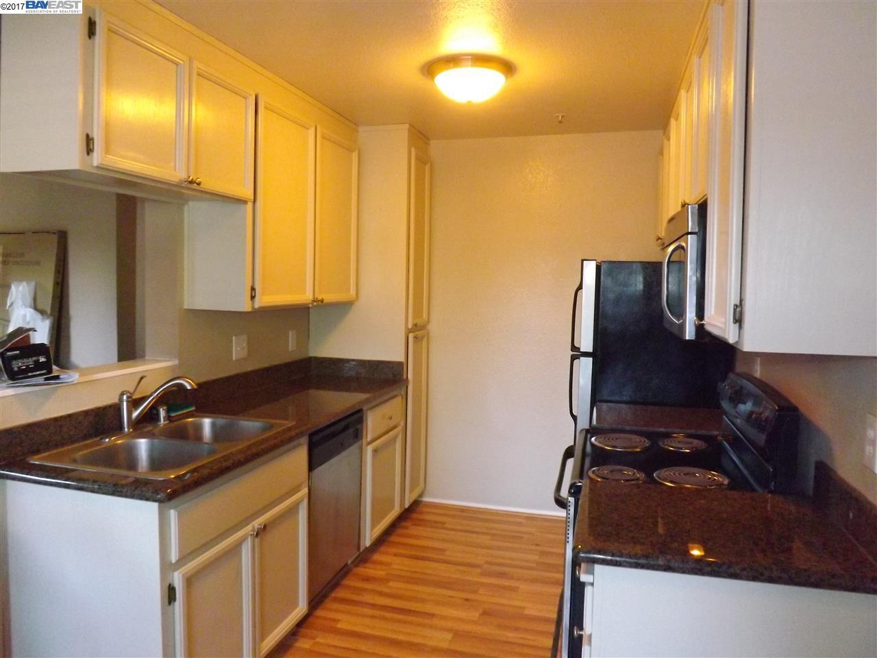 Additional photo for property listing at 37490 Parish Circle  Fremont, Калифорния 94536 Соединенные Штаты