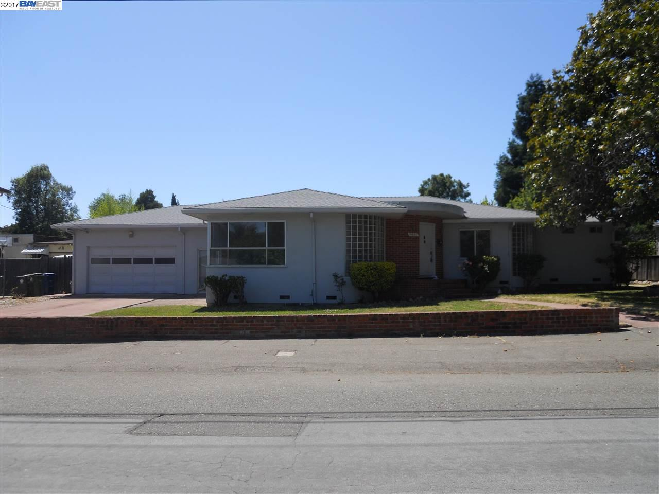 Single Family Home for Sale at 19807 Alana Castro Valley, California 94546 United States