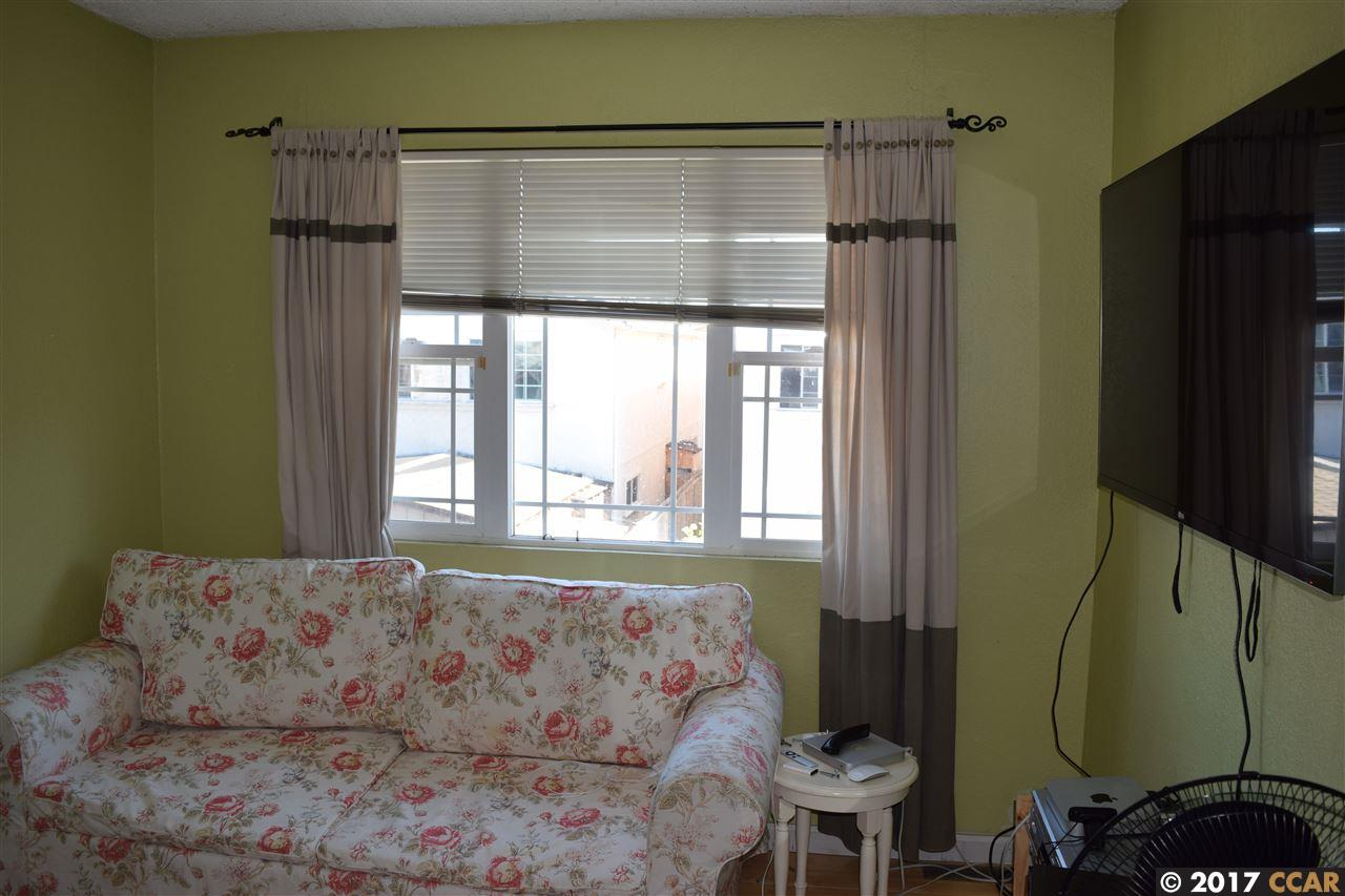Additional photo for property listing at 44 Duboce Avenue  Richmond, California 94801 United States