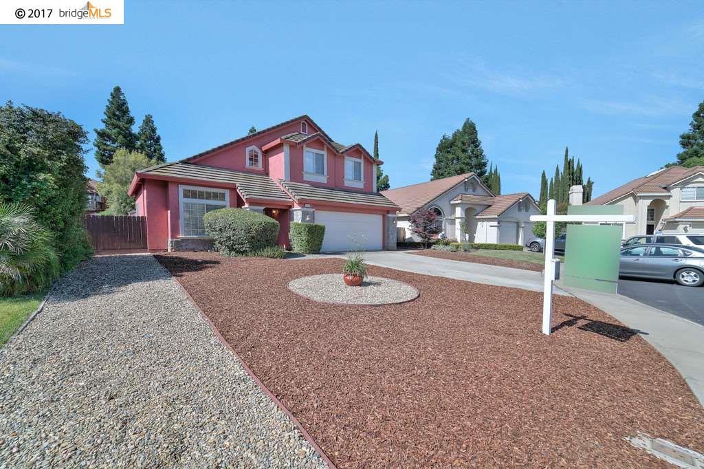 Casa Unifamiliar por un Venta en 160 Oak Creek Court Vacaville, California 95687 Estados Unidos