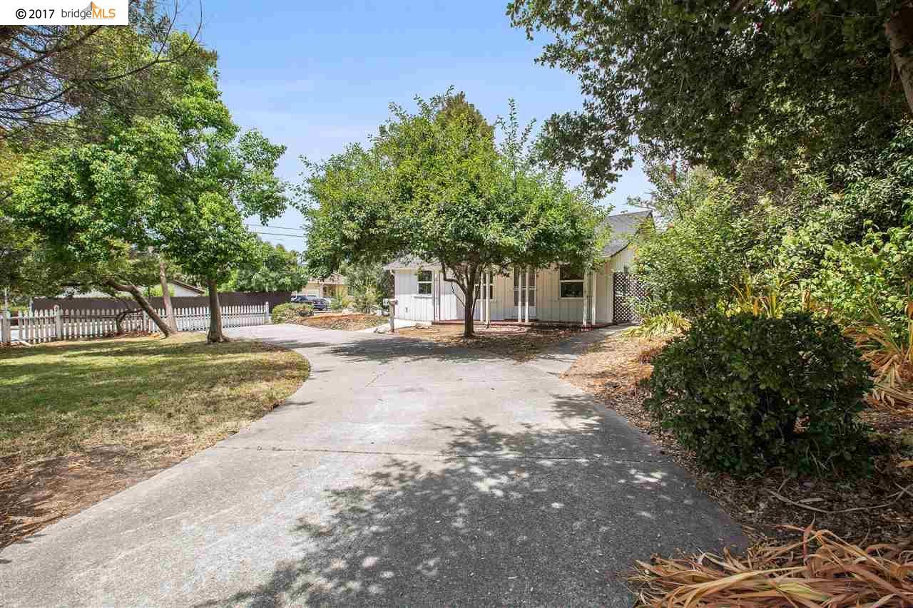 獨棟家庭住宅 為 出售 在 4346 Edwards Lane Castro Valley, 加利福尼亞州 94546 美國