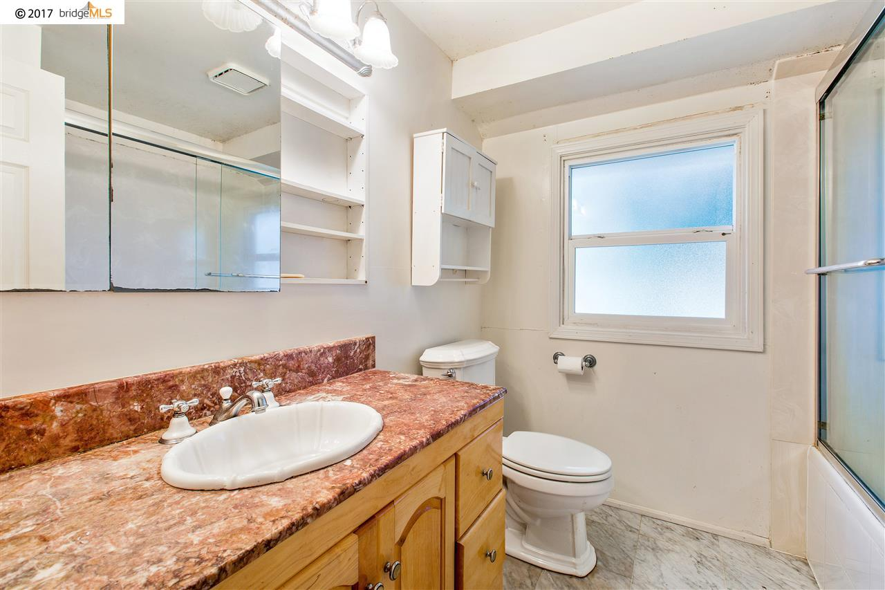 Additional photo for property listing at 4346 Edwards Lane  Castro Valley, カリフォルニア 94546 アメリカ合衆国