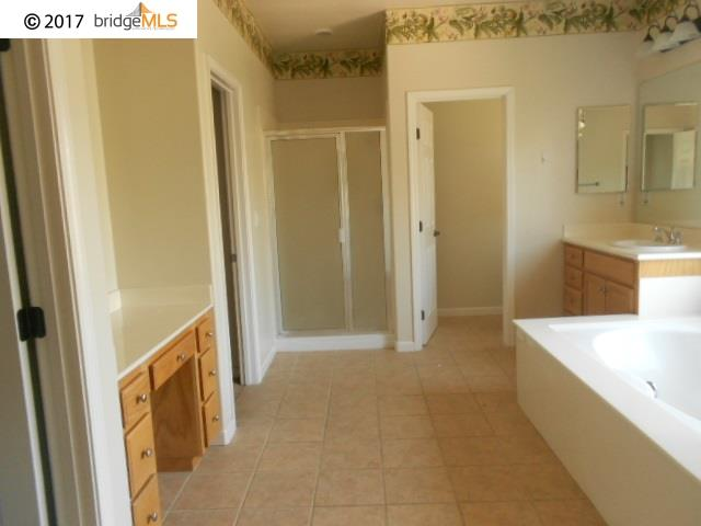 Additional photo for property listing at 6655 Yellowstone Circle  Discovery Bay, Californie 94505 États-Unis
