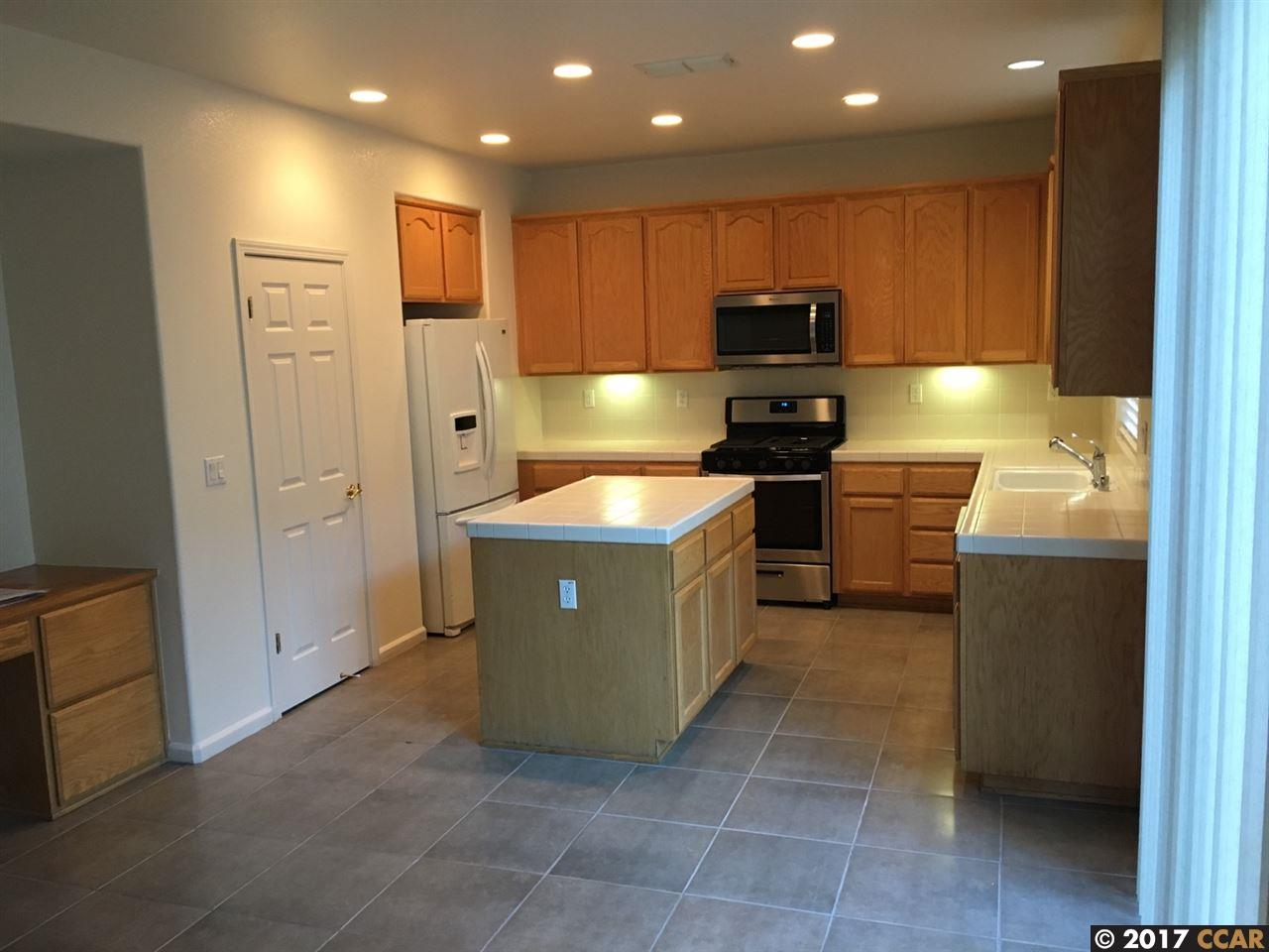 Additional photo for property listing at 16 Elijah Court  Pittsburg, California 94565 United States
