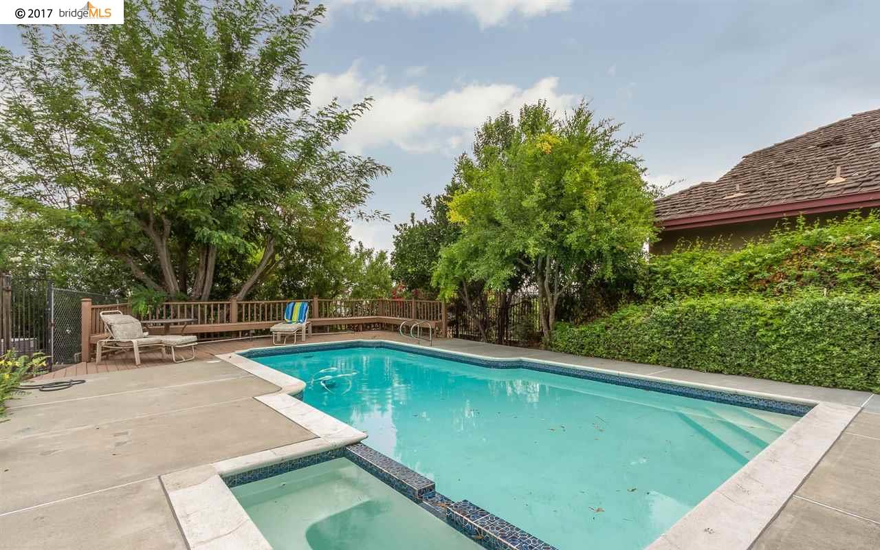 Additional photo for property listing at 105 Hyde Place  Antioch, Californie 94509 États-Unis
