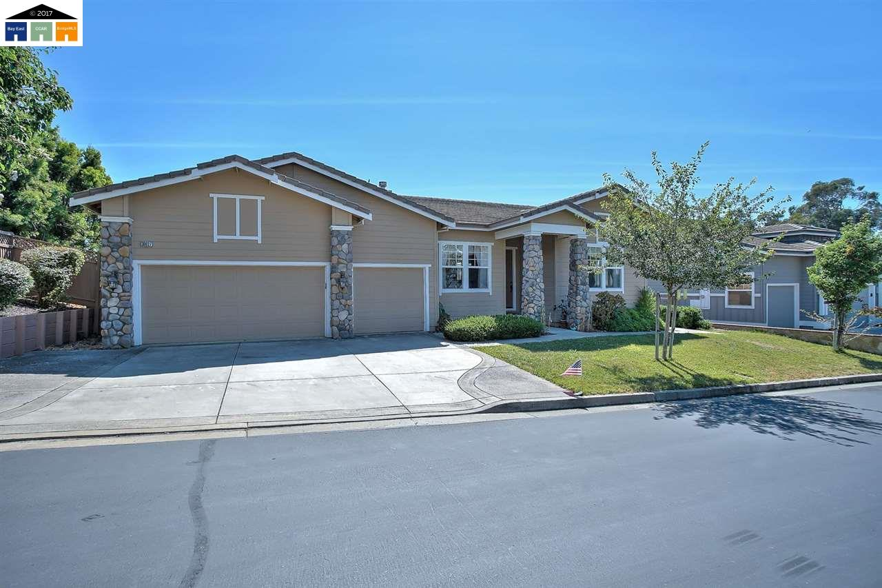 獨棟家庭住宅 為 出售 在 30027 Woodthrush Place Hayward, 加利福尼亞州 94544 美國