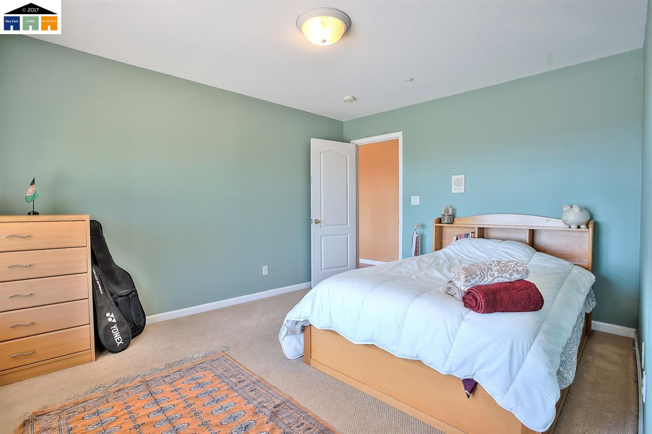 Additional photo for property listing at 30027 Woodthrush Place  Hayward, California 94544 Estados Unidos