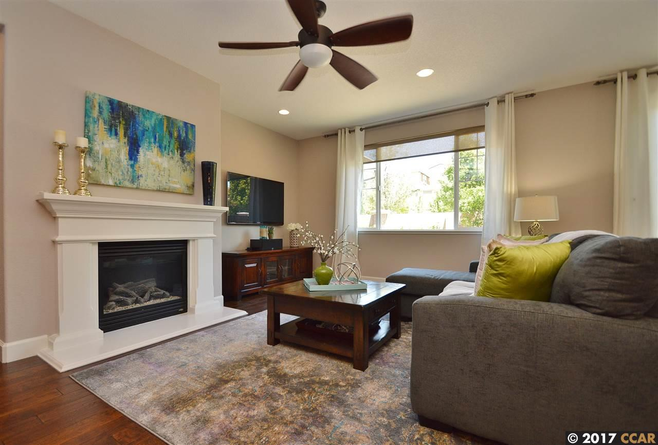 Additional photo for property listing at 2372 Cantalise Drive  Dublin, カリフォルニア 94568 アメリカ合衆国