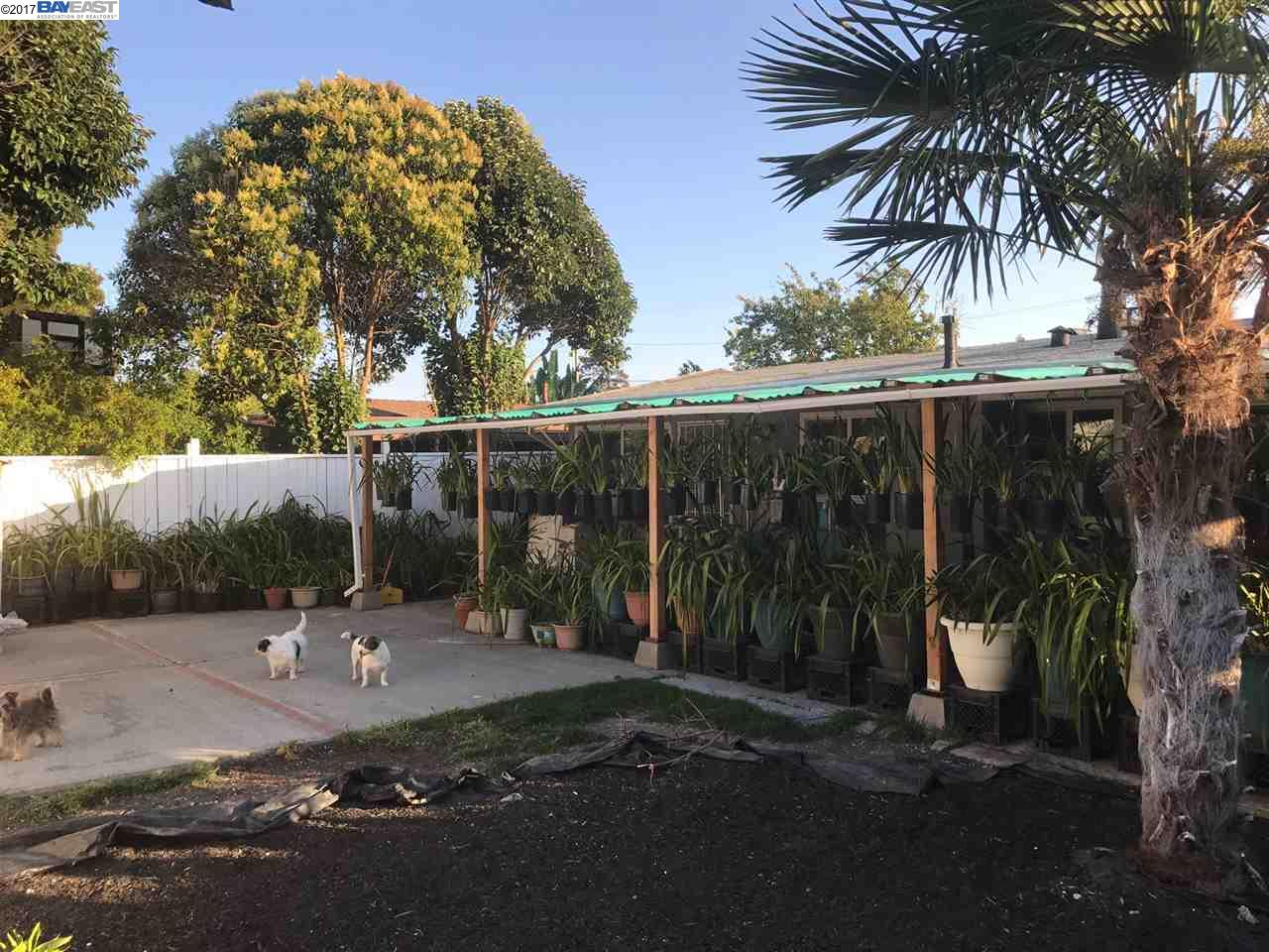 Additional photo for property listing at 27898 Mandarin Avenue  Hayward, カリフォルニア 94544 アメリカ合衆国